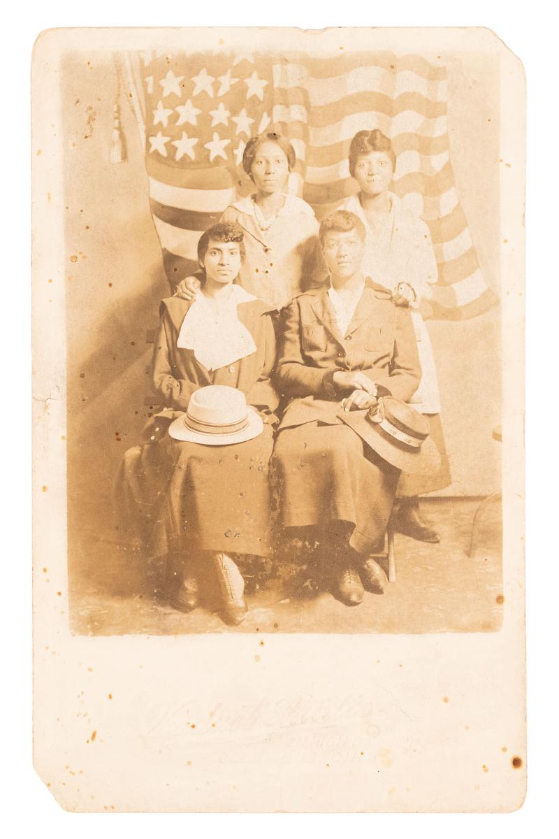 4 African-American women seated in Photograph postcard